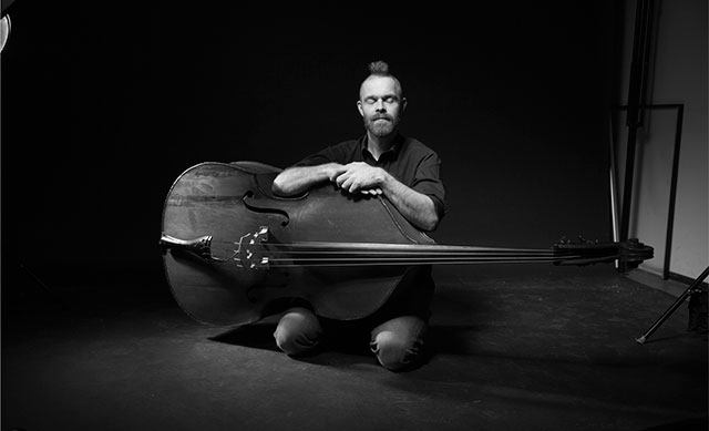 Niels Wilhelm Knudsen with contrabass - press photo